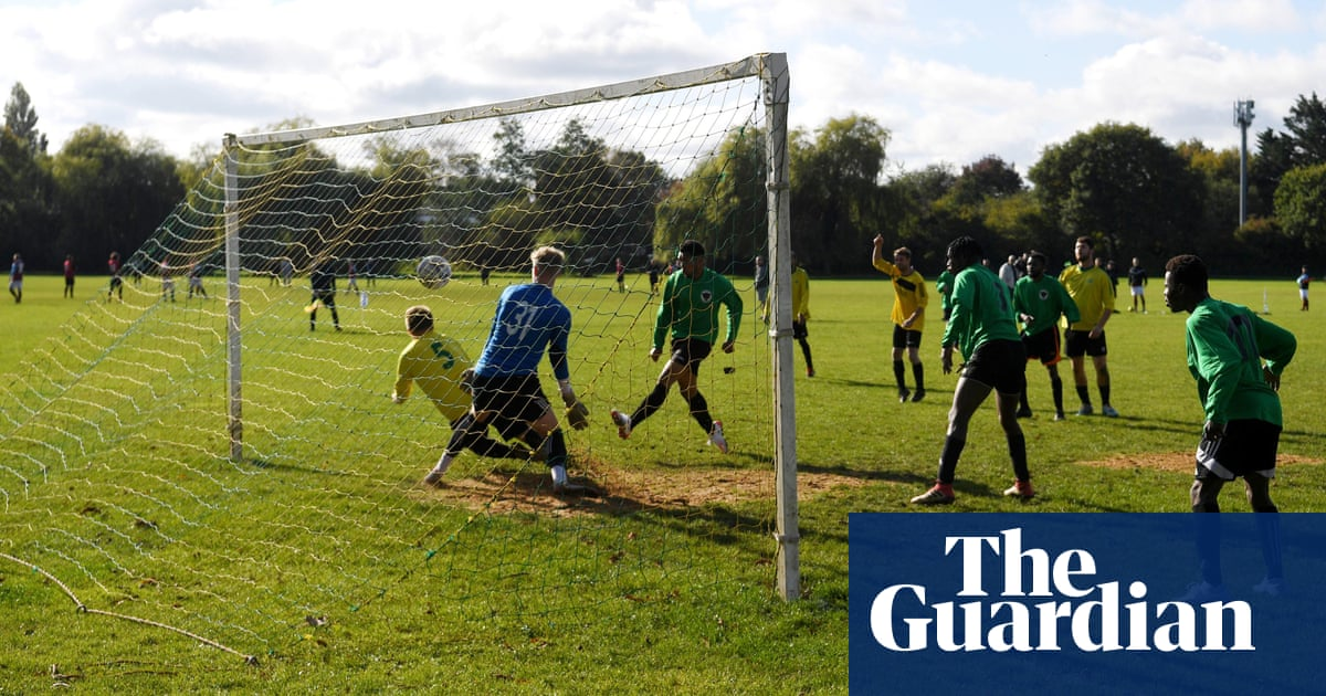 FA pledges £180m of grassroots funding to boost football's Covid-19 recovery