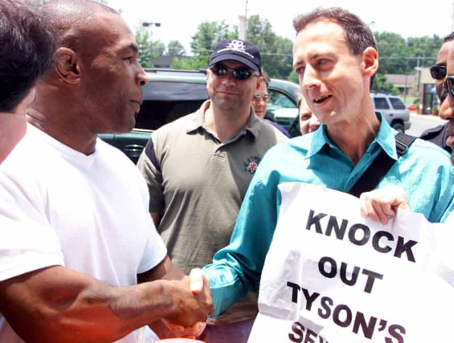 Tatchell meets heavyweight boxer Mike Tyson in 2002.