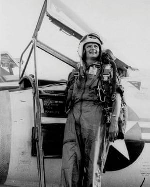 Jerrie Cobb beside her jet fighter in 1961.