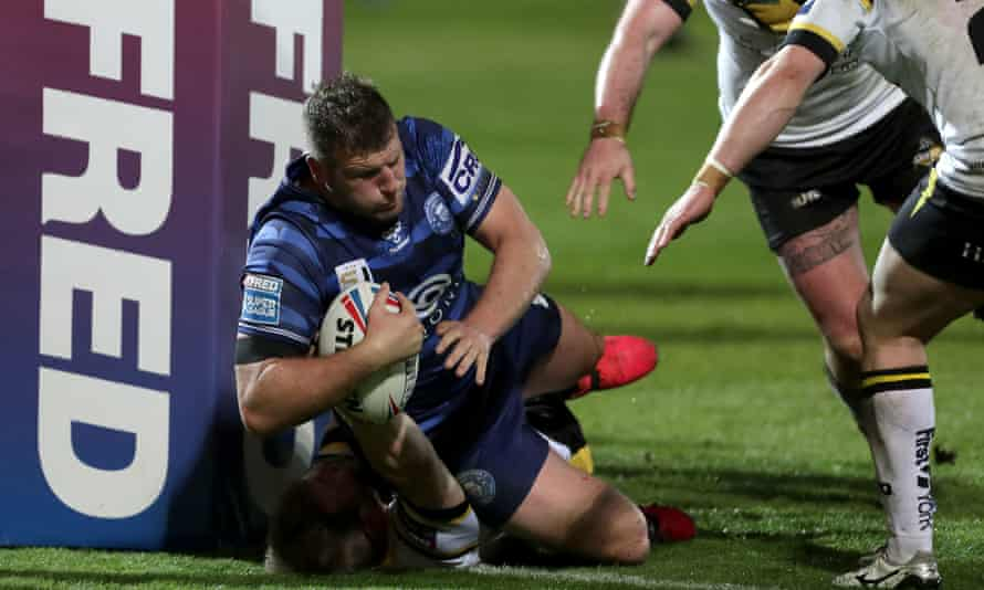 Tony Clubb scores a try against York City Knights in the Challenge Cup.