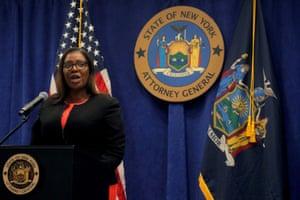 دادستان کل ایالت نیویورک ، لتیتیا جیمز ، تابستان سال گذشته شکایتی را تشکیل داد که NRA را به سو mis مدیریت و فساد متهم کرد.