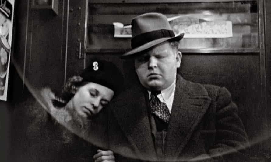 Helen Levitt New York, 1938 © Film Documents LLC Courtesy Galerie Thomas Zander, Cologne