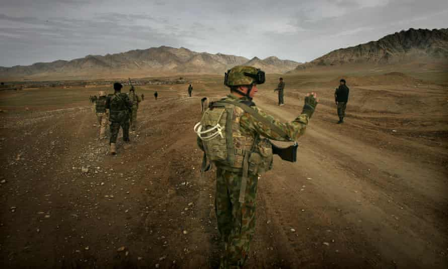 Soldiers from the Australian Defence Force and the Afghanistan National Army in Afghanistan 2009