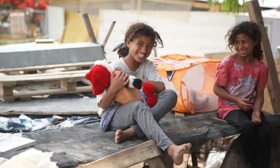 Children play in Khan Al-Ahmar.