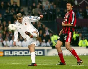 Zidane wows Hampden against Leverkusen in 2002.