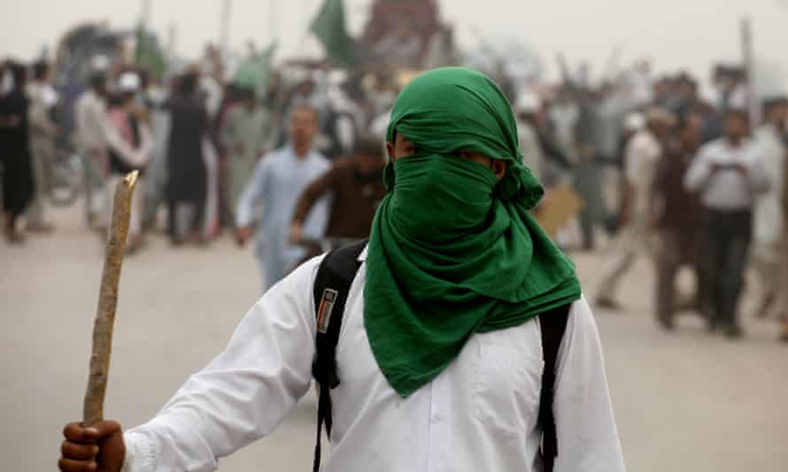 A supporter of the anti-blasphemy protests in Pakistan in 2018