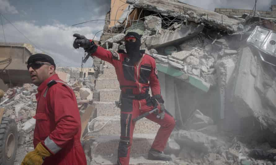 An Iraqi rescue crew in west Mosul on Friday.
