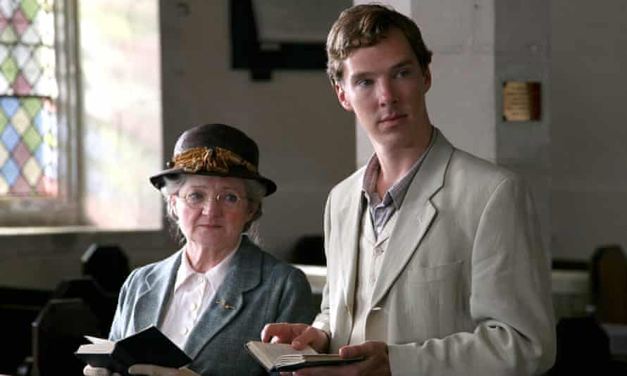 Julia McKenzie and Benedict Cumberbatch in Agatha Christie's Murder is Easy for ITV.