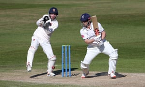 Sam Hain in batting action for Warwickshire at Edgbaston