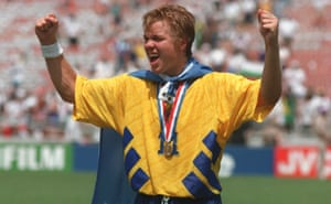 Tomas Brolin receives his third-place medal at the 1994 World Cup.