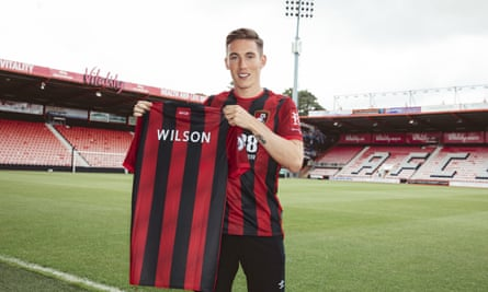 Harry Wilson has moved to Bournemouth on a season-long loan from Liverpool.