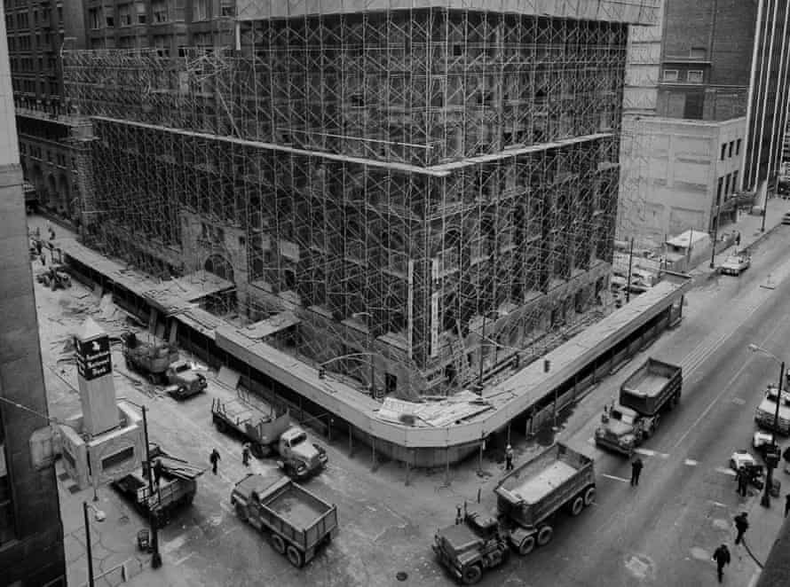 The demolition of the Stock Exchange in Chicago in 1972.