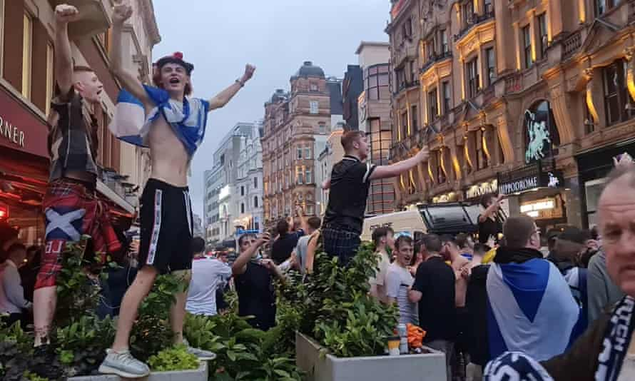 Scottish fans gather at Lahn's Leicester Square.