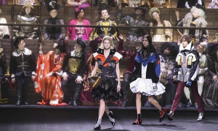 A 200-strong choir in period dress spanning 500 years was the backdrop for Louis Vuitton's closing show at Paris fashion week, on 3 March.