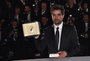 Iranian actor Shahab Hosseini poses with his Best Actor prize at the 69th Cannes Film Festival in Cannes, in May 2016.