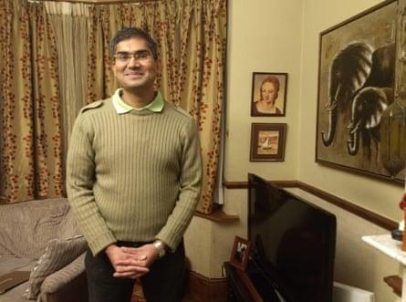 Allan Saldanha at home.