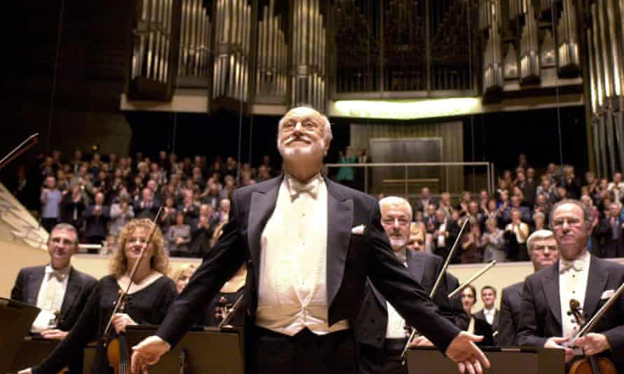 Kurt Masur conducts the London Philharmonic Orchestra at a concert in the Gewandhaus in Leipzig, Germany, in 2010.