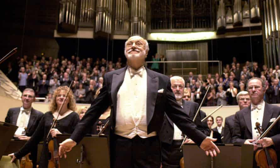 Kurt Masur conducting the London Philharmonic Orchestra at a concert in the Gewandhaus, Leipzig, in 2010.