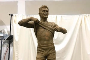 The Nicky Winmar statue