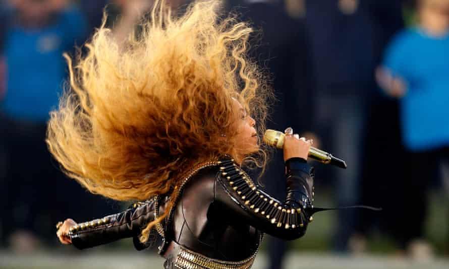 Beyoncé appears at half-time at the Superbowl.