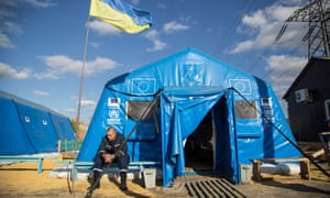 The UN High Commissioner for Refugees (UNHCR) is providing facilities for those displaced by the conflict, including tents at crossing points.