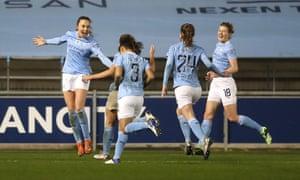 Weir celebrates with teammates