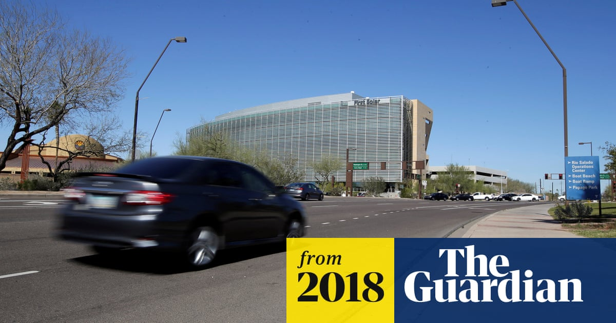 Self-driving Uber kills Arizona woman in first fatal crash