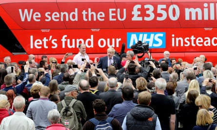 Boris Johnson and Gisela Stuart on the Vote Leave bus.