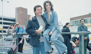 Robert Wagner and Natalie Wood at London Airport in 1976.