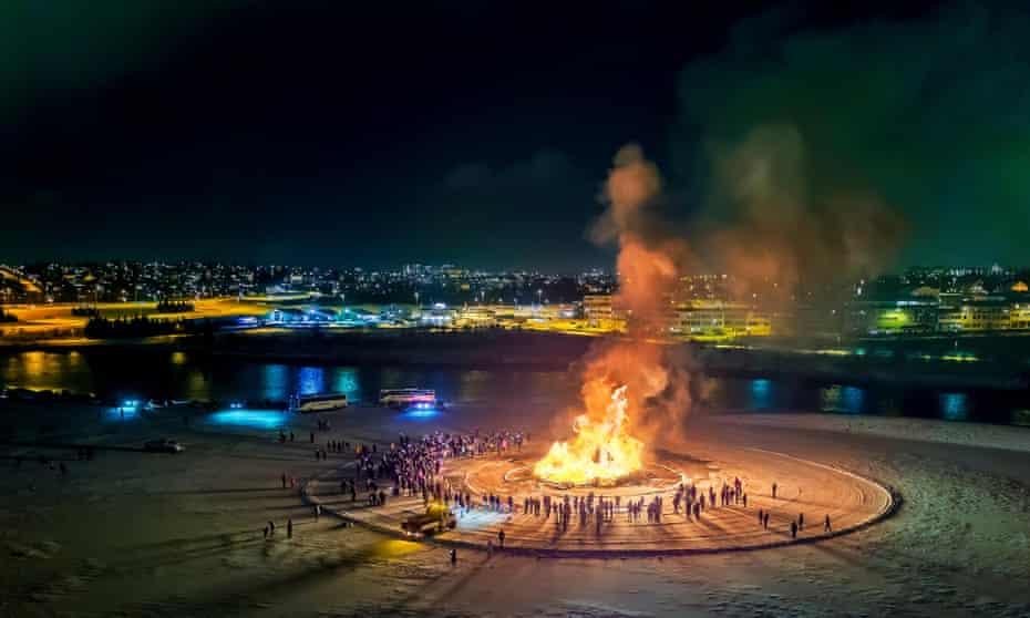 Bonfire on New Year´s Reykjavik