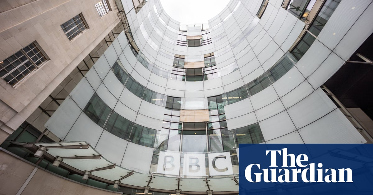 Whistleblower in Martin Bashir scandal backs BBC after apology from boss
