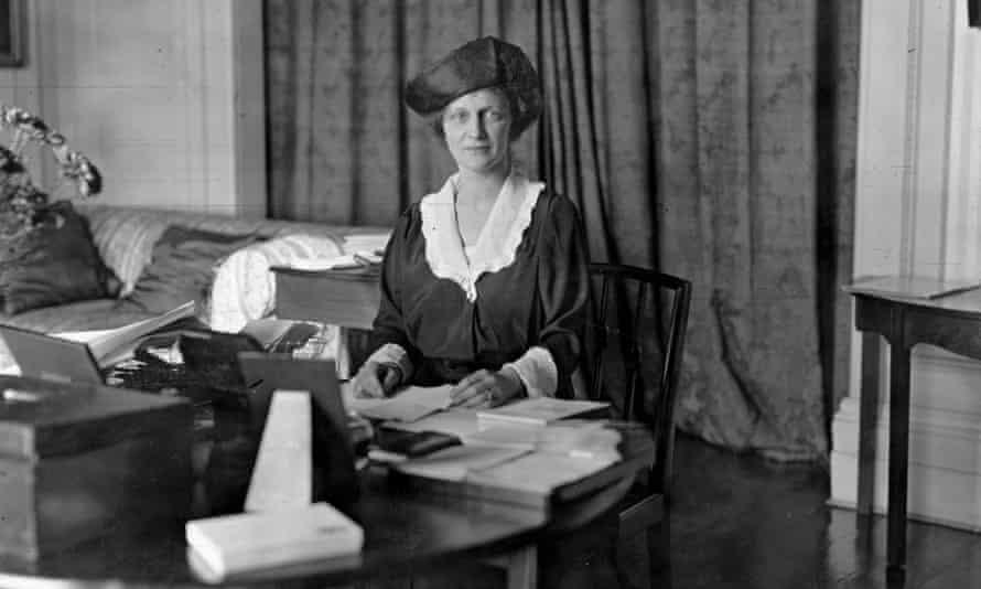 Nancy Astor, 1919.