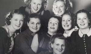 Eileen Farrell, far left, with a dance troupe in 1938