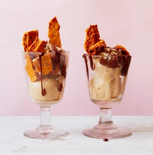 Tamal Ray's vegan ice-cream, 'honeycomb' and chocolate sauce.