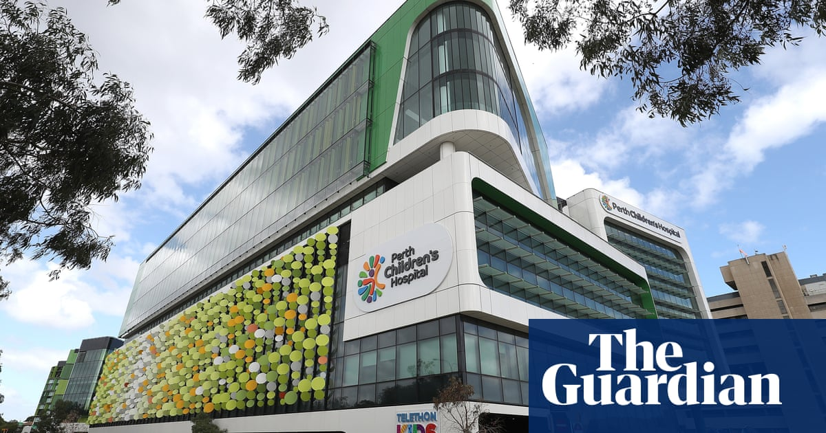 Perth hospital staff missed opportunities to help girl who died of infection, investigation finds