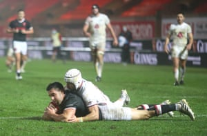 Wales' Rhys Webb scores his side's second try of the game.