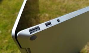 The full-sided USB, miniDisplayPort and headphones socket.