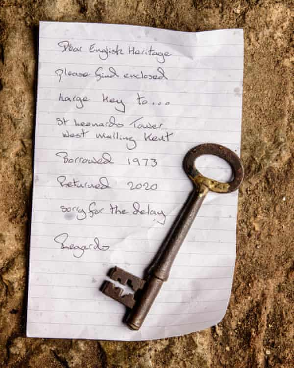 The note and key