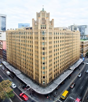 Grace Building (1930) The Grace Building is Australia's first skyscraper as well as Sydney's finest example of the deco gothic style. Its design was heavily influenced by Chicago's Tribune Tower (1925). Built midway between the new Wynyard and Town Hall underground railway stations, the first two storeys were designed as a department store and the rest to provide rental office accommodation for importers and other local businesses. The location was not a success, with the lack of customers and tenants further compounded by the Wall Street crash of 1929 and the resulting worldwide Depression.