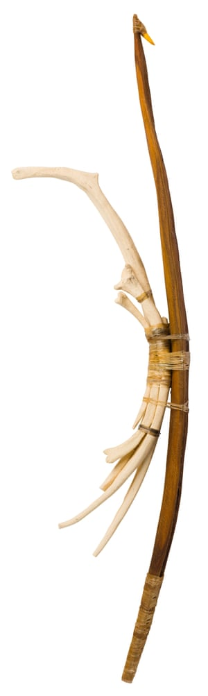 Miru munu taarka (spearthrower and bones) by Mark Morris (2020). This piece, a finalist, is made of wood, spinifex resin, ceramics and kangaroo sinew.