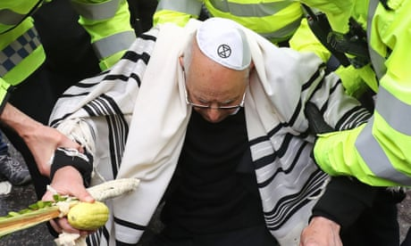Rabbi, 77, arrested at Extinction Rebellion's Bank of England protest – video report