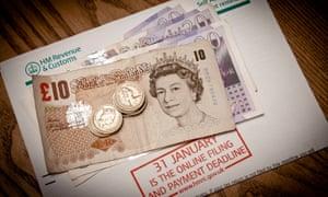 UK tax return reminder and money