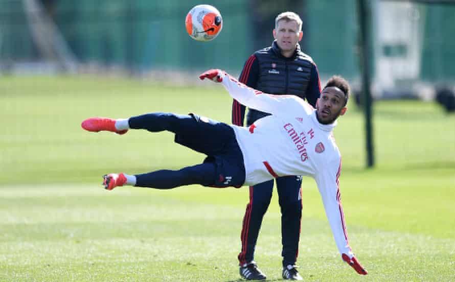 Pierre-Emerick Aubameyang tries an acrobatic shot during Arsenal training.