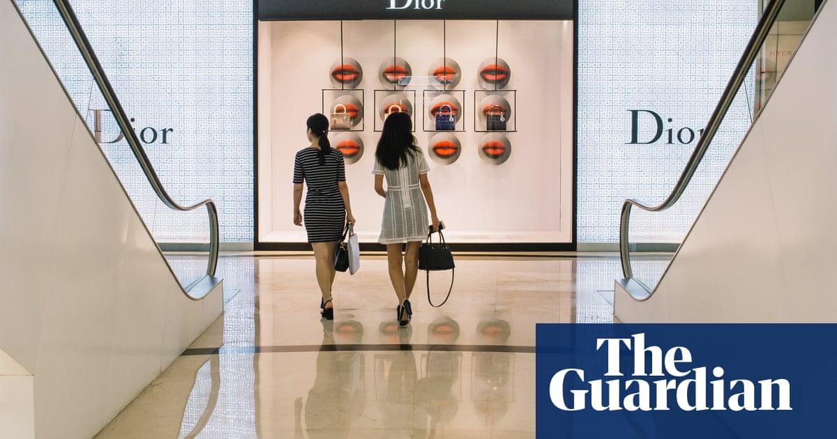 Di Balik Megahnya Mal Mal Jakarta Yang Ber Ac Cities The Guardian