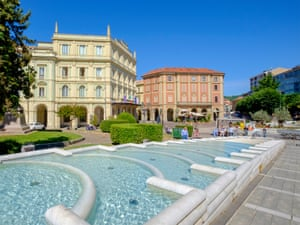 Piazza the action: the main town square of Acqui Terme.