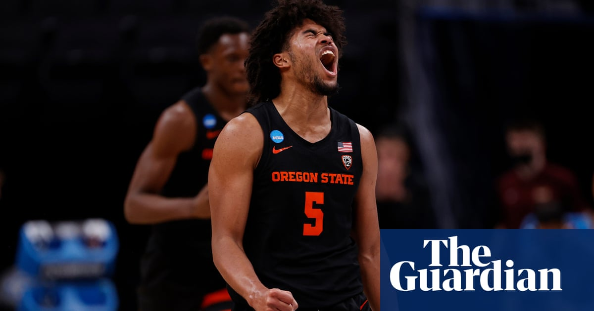 Oregon State hold off Loyola Chicago to reach first Elite Eight since 1982