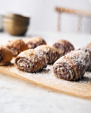 Nutella, sesame and hazelnut rolls