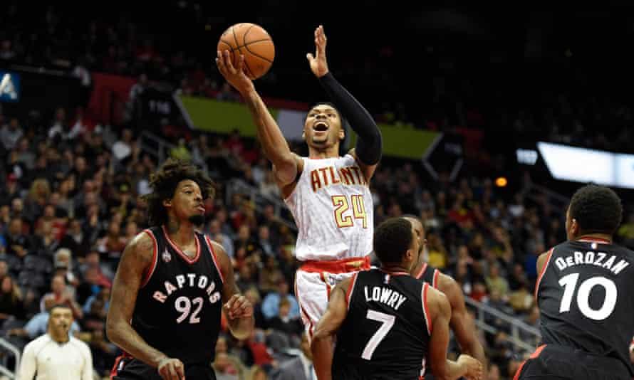 Atlanta Hawks forward Kent Bazemore (24) shoots against the Toronto Raptors