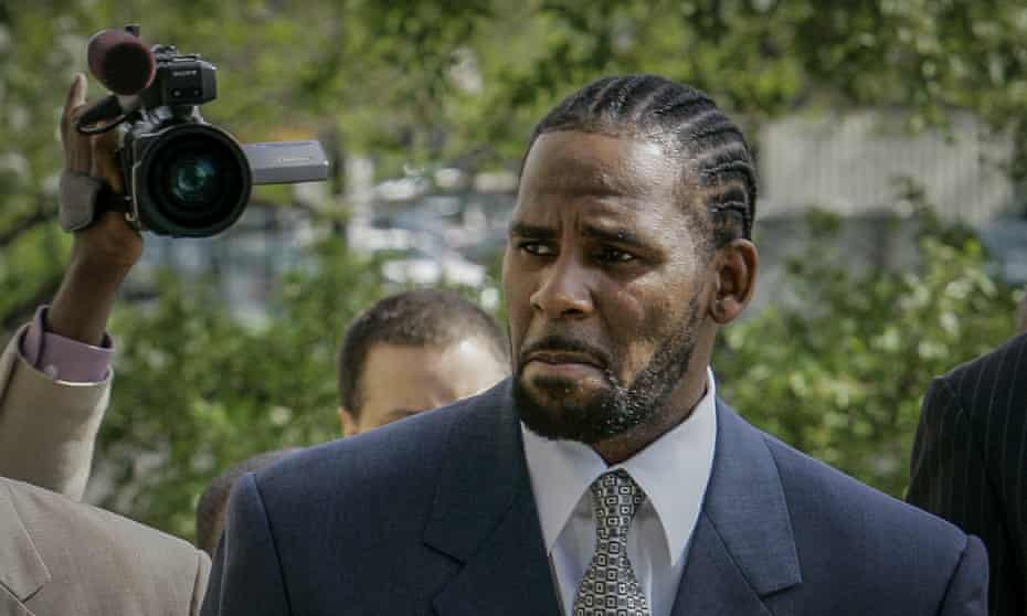 R Kelly at a previous trial in Chicago in May 2008.