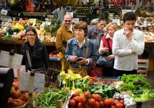 Shopping at H & S Frutta e Verdura in the Mercato Orientale